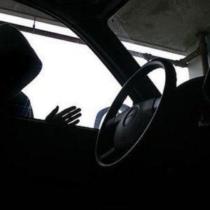 Βόλος: «Άνοιξε» αυτοκίνητο και …βούτηξε GPS