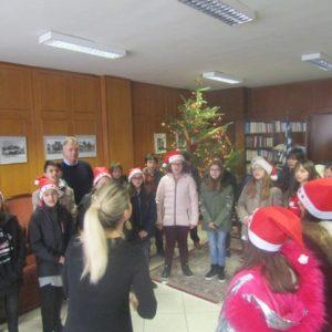 Μαθητές είπαν τα κάλαντα στον Αντιπεριφερειάρχη Τρικάλων Χρήστο Μιχαλάκη