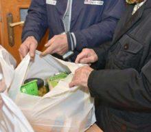Διανομή προϊόντων στις οικογένειες του ΚΕΑ-TEBA από το Δήμο Καρδίτσας